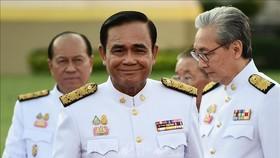 Thủ tướng Thái Lan Prayut Chan-O-Cha (giữa) sau lễ tuyên thệ nhậm chức của các thành viên nội các mới tại Bangkok ngày 16-7-2019. Nguồn: TTXVN