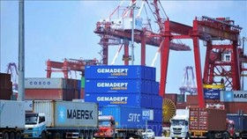 Mỹ không hoãn áp thuế với hàng hóa Trung Quốc