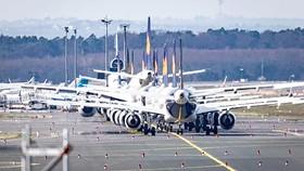 Hàng loạt máy bay của hãng Luffthansa (Đức)  đang nằm ở sân bay