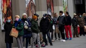 Bộ Lao động Mỹ thông báo đã tiếp nhận 6,6 triệu đơn xin trợ cấp mới trong tuần vì dịch bệnh Covid-19. Nguồn: REUTERS