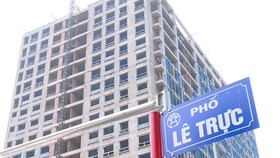 Hà Nội: Xử lý vi phạm của tòa nhà 8B Lê Trực bước sang giai đoạn 2