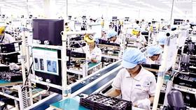 Một dây chuyền lắp ráp thiết bị điện tử ở Việt Nam