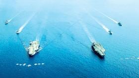 Hai tàu sân bay Mỹ USS Nimitz và USS Ronald Reagan ở Biển Đông