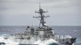 Tàu khu trục Wayne E. Meyer của Hải quân Mỹ đã tiến hành tuần tra hàng hải ở Biển Đông. Ảnh: TTXVN