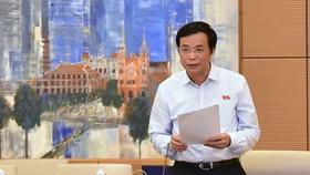 Tổng Thư ký Quốc hội Nguyễn Hạnh Phúc  phát biểu tại phiên họp. Ảnh: QUANG PHÚC