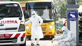 Nhân viên y tế Tây Ban Nha mệt mỏi trước thời điểm thủ đô Madrid bị phong tỏa  trong làn sóng Covid-19 thứ 2