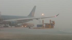 Hủy nhiều chuyến bay do thời tiết xấu