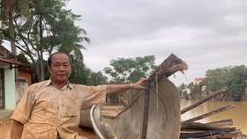 Ông Võ Văn Bình cứu sống 100 đồng bào trong đợt mưa lũ vừa qua