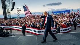 Một cuộc vận động tranh cử của Tổng thống Mỹ Donald Trump tại Sanford, Florida, ngày 12-10. Ảnh: NYTimes