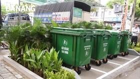 Đóng góp 8 tỷ đồng gắn gần 11.140 thùng rác công cộng