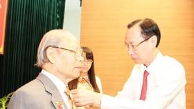 TPHCM trao Huy hiệu Đảng  cho 1.481 đảng viên