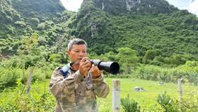 Anh Tú với niềm đam mê bảo vệ và chụp ảnh  voọc má trắng quý hiếm