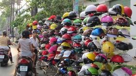 Nhan nhản nón bảo hiểm kém chất lượng