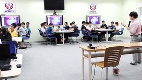 Phòng học số của Trường ĐH Sư phạm Kỹ thuật TPHCM được đầu tư để đào tạo trực tuyến