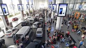 Điều chỉnh giao thông khu vực sân bay Tân Sơn Nhất: Phải sắp xếp khu vực taxi và xe công nghệ hợp lý hơn