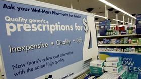 Thuốc được bày bán tại một cửa hàng Walmart ở Clearwater, bang Florida, Mỹ. Nguồn: TTXVN