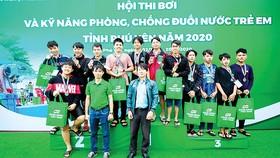 Hội thi bơi và kỹ năng phòng chống đuối nước trẻ em Phú Yên