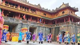 Tái hiện lễ phát lịch dưới triều Nguyễn tại Ngọ Môn - Hoàng thành Huế
