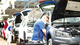 Dây chuyền sản xuất ô tô tại Wolfsburg, Đức