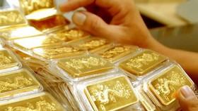 Vàng rớt giá gần 1 triệu đồng/lượng sau ngày vía Thần Tài