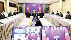 Thủ tướng Nguyễn Xuân Phúc và Đoàn đại biểu Việt Nam tại điểm cầu Hà Nội. Ảnh: TTXVN
