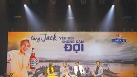Jack là đại sứ thương hiệu đầu tiên của bia Larue