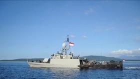 Tàu tuần tra của hải quân Indonesia KRI Singa 651 tham gia tìm kiếm tàu ngầm mất tích KRI Nanggala 402 ở vùng biển ngoài khơi Bali, ngày 24-4-2021. Nguồn: TTXVN