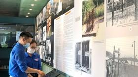 Tham quan container tái hiện mô hình 5 nhà tù lớn  ở miền Nam Việt Nam trong thời kỳ kháng chiến chống Mỹ