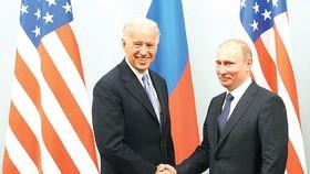 Tổng thống Nga Vladimir Putin tiếp ông Joe Biden tại Moscow năm 2011, lúc đó là Phó Tổng thống Mỹ.  Ảnh: TASS