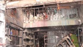 Hiện trường vụ cháy trong hẻm 47, đường Lạc Long Quân, phường 1, quận 11
