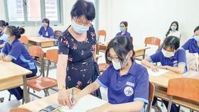 Học sinh lớp 12, Trường THPT Nguyễn Du (quận 10, TPHCM) trong một giờ học cuối học kỳ 2 năm học 2020-2021. Ảnh: THU TÂM