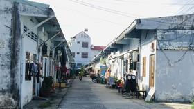 Các hộ dân trong khu tạm cư, phường Phước Long B, TP Thủ Đức (TPHCM)