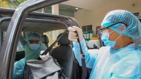 Lực lượng y tế dự phòng TP Thủ Đức sẵn sàng ứng cứu người dân  có nhu cầu điều trị Ảnh: HOÀNG HÙNG