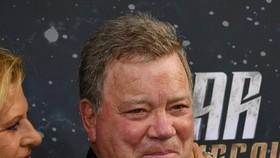"""Tài tử William Shatner, người đóng vai thuyền trưởng James T. Kirk trong loạt phim truyền hình kinh điển đình đám """"Star Trek"""""""