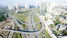 Nút giao thông ngã 3 Cát Lái, quận 2, TPHCM. Ảnh: Việt Dũng