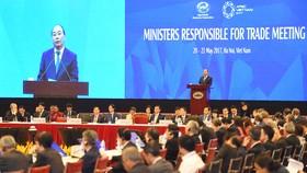 Thủ tướng Nguyễn Xuân Phúc phát biểu khai mạc Hội nghị Bộ trưởng Thương mại APEC lần thứ 23. Ảnh: VGP