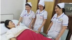 Sự tận tình chăm sóc của cán bộ y tế Bệnh viện Triều An  giúp người bệnh an tâm điều trị