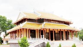 3 ngôi đền, triệu tấm lòng