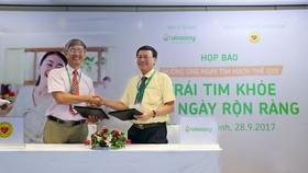 Đại diện Viện Tim mạch Việt Nam và Vinasoy hợp tác triển khai chương trình