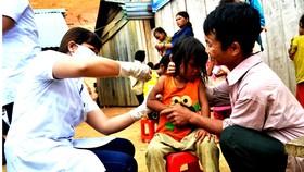 """Cần đẩy mạnh việc tiêm chủng vaccine tại những """"vũng lõm"""" để phòng ngừa dịch bệnh mùa Đông Xuân"""