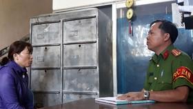 Bà Linh tại cơ quan công an quận 12