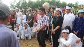 Xót xa người đi, kẻ ở Lương Điền