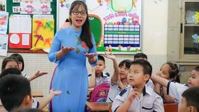 """Giáo viên tiểu học - Bài 2: Khi cô cũng là """"mẹ""""…"""