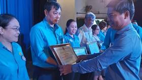 Trao 165.000 suất học bổng Nguyễn Đức Cảnh