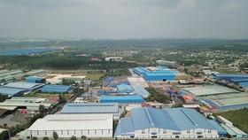 Nhà xưởng trái phép trong khu quy hoạch cụm công nghiệp Phước Tân. Ảnh: TTXVN
