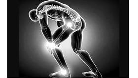 """""""Dùng huyệt vị dẫn thuốc"""" - Cách chữa bệnh xương khớp độc đáo của người Nùng"""