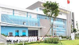 Bệnh viện Huyện Bình Chánh - công trình được xây mới trong nhiệm kỳ, với quy mô 300 giường.  Ảnh: KHÁNH TƯỜNG