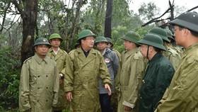 Phó Thủ tướng Trịnh Đình Dũng chỉ đạo công tác cứu hộ tại thủy điện Rào Trăng 3