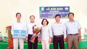 Công ty TNHH MTV Xổ số kiến thiết Đồng Tháp trao nhà Đại đoàn kết tại xã Ba Sao huyện Cao Lãnh