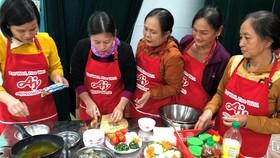 Giữ lửa hạnh phúc qua bữa cơm gia đình